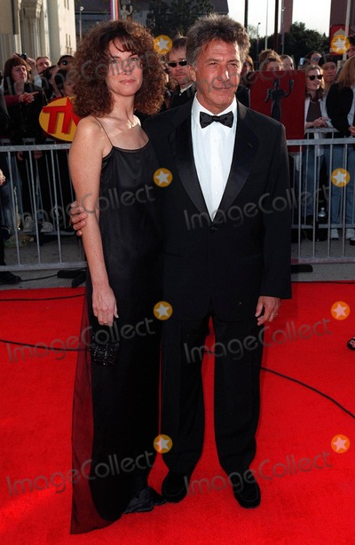Dustin Hoffman Photo - 08MAR98:  Actor DUSTIN HOFFMAN & wife LISA at the Screen Actors Guild Awards in Los Angeles.