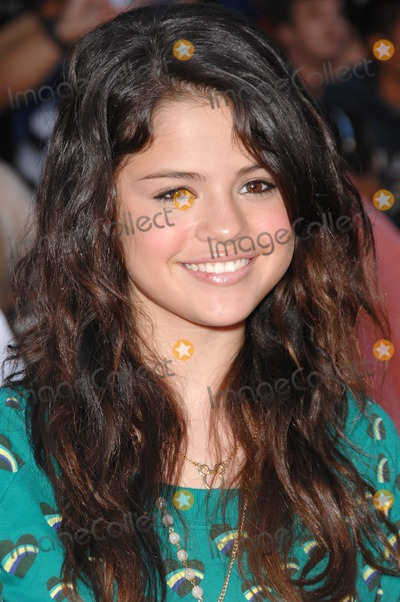 """Gomez, Selena Gomez, The Game Photo - Selena Gomez at the world premiere of """"The Game Plan"""" at the El Capitan Theatre, Hollywood.September 23, 2007  Los Angeles, CAPicture: Paul Smith / Featureflash"""