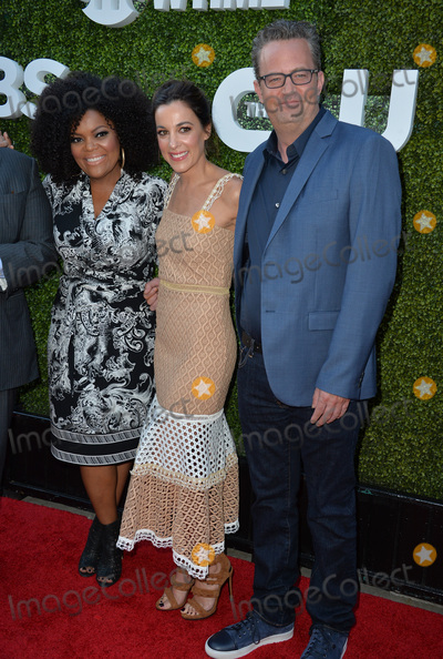 Lindsay Sloan, Lindsay Sloane, Matthew Perry, Nicole Brown, Yvette Nicole Brown Photo - LOS ANGELES, CA. August 10, 2016: Yvette Nicole Brown & Lindsay Sloane & Matthew Perry at the CBS & Showtime Annual Summer TCA Party with the Stars at the Pacific Design Centre, West Hollywood. Picture: Paul Smith / Featureflash
