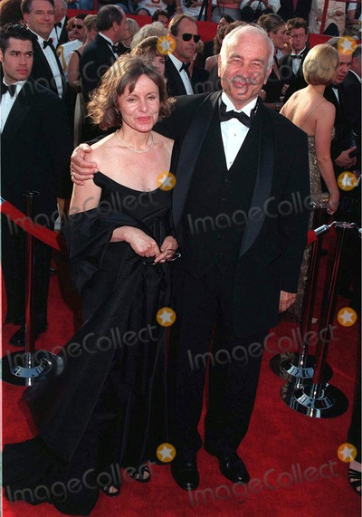 Armin Mueller-Stahl Photo - 24MAR97: ARMIN MUELLER-STAHL & wife at the Academy Awards.