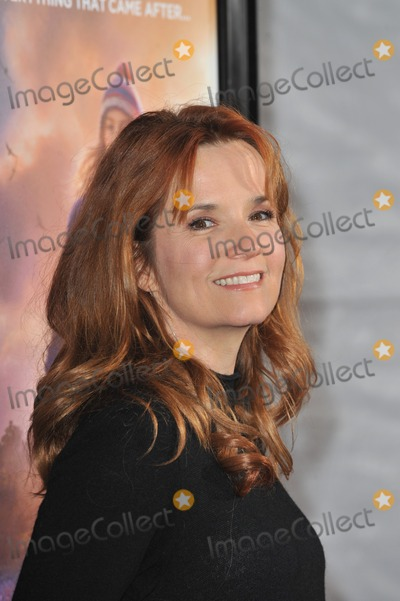 """Lea Thompson, Grauman's Chinese Theatre, Léna Jam-Panoï Photo - Lea Thompson at the Los Angeles premier of """"The Lovely Bones"""" at Grauman's Chinese Theatre, Hollywood.December 7, 2009  Los Angeles, CAPicture: Paul Smith / Featureflash"""