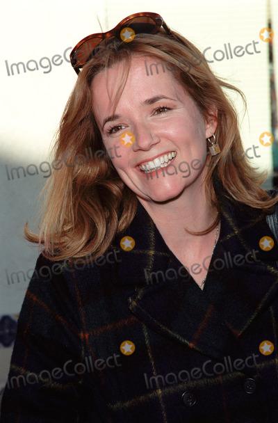 "Lea Thompson, Léna Jam-Panoï Photo - 05DEC99: Actress LEA THOMPSON at the world premiere in Los Angeles of ""Stuart Little."" Paul Smith / Featureflash"
