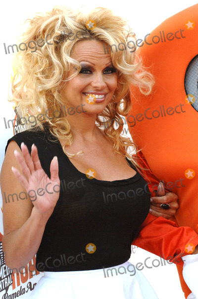 El Roast de David Hasselhoff - Pamela Anderson - YouTube