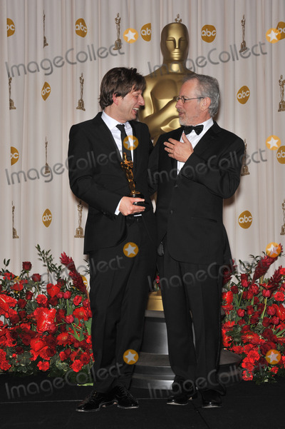 Christian Colson, Steven Spielberg Photo - Christian Colson & Steven Spielberg at the 81st Academy Awards at the Kodak Theatre, Hollywood.February 22, 2009  Los Angeles, CAPicture: Paul Smith / Featureflash