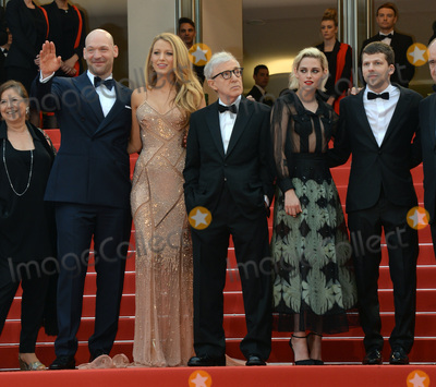 """Blake Lively, Jesse Eisenberg, Kristen Stewart, Woody Allen, Corey Stoll Photo - Director Woody Allen with actors Jesse Eisenberg, Kristen Stewart, Blake Lively & Corey Stoll at the gala premiere of Woody Allen's """"Cafe Society"""" at the 69th Festival de Cannes.May 11, 2016  Cannes, FrancePicture: Paul Smith / Featureflash"""