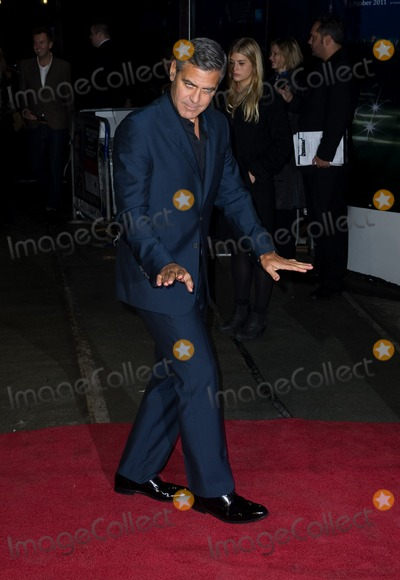 George Clooney Photo - George Clooney arriving for The Ides Of March Premiere, Odeon Leicester Square, London. 19/10/2011 Picture by: Simon Burchell / Featureflash