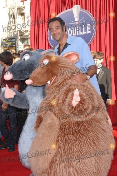 "Brad Garrett Photo - Brad Garrett at the world premiere of ""Ratatouille"" at the Kodak Theatre, Hollywood.June 23, 2007  Los Angeles, CAPicture: Paul Smith / Featureflash"