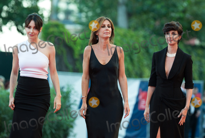 Anita Caprioli, Paz Vega Photo - Paz Vega, Alix Delaporte and Anita Caprioli at the closing ceremony at the premiere of Lao Pao Er at the 2015 Venice Film Festival.