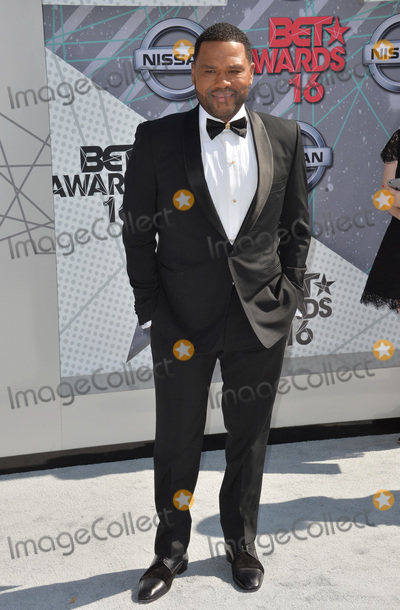 Anthony Anderson Photo - LOS ANGELES, CA. June 26, 2016: Host Anthony Anderson at the 2016 BET Awards at the Microsoft Theatre LA Live. Picture: Paul Smith / Featureflash