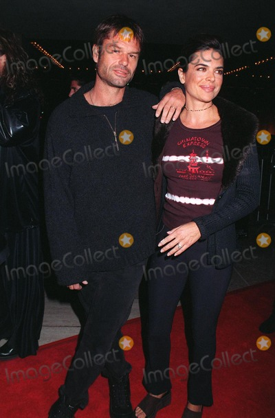 "Dustin Hoffman, Harry Hamlin, John Travolta, Lisa Rinna, Madness, John  Travolta Photo - 27OCT97:  Actor HARRY HAMLIN & girlfriend actress LISA RINNA at the premiere in Los Angeles of ""Mad City"" which stars John Travolta & Dustin Hoffman."
