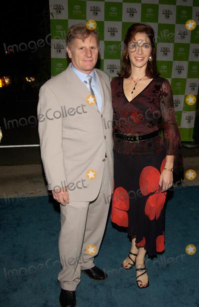 Gordon Clapp Photo - Actor GORDON CLAPP & wife at the 12th Annual Environmental Media Awards in Los Angeles. 20NOV2002.   Paul Smith / Featureflash
