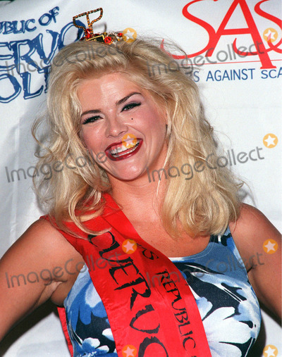 Photos and Pictures - 13AUG98: Former Playboy Playmate of the Year ANNA NICOLE SMITH at press conference at Planet Hollywood Beverly Hills to launch the ...