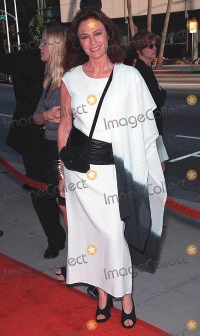 "Jacqueline Bisset, Pierce Brosnan, Rene Russo, RENEE RUSSO Photo - 27JUL99:  Actress JACQUELINE BISSET at the world premiere, in Beverly Hills, of ""The Thomas Crown Affair"" which stars Pierce Brosnan & Rene Russo. Paul Smith / Featureflash"