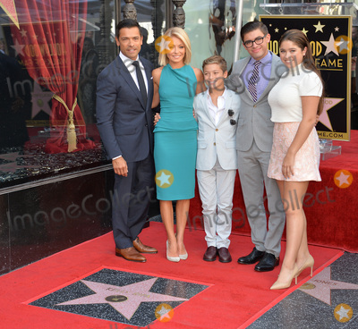 Photos and Pictures - TV personality Kelly Ripa & actor