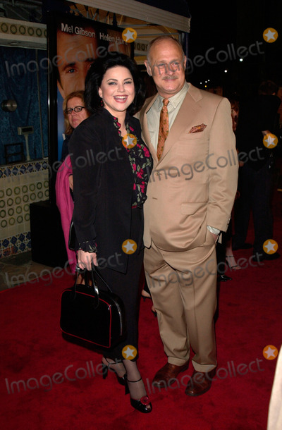 Delta Burke Photo - Actress DELTA BURKE & actor husband GERALD McRANEY at the world premiere, in Los Angeles, of her new movie What Women Want.13DEC2000.   Paul Smith / Featureflash