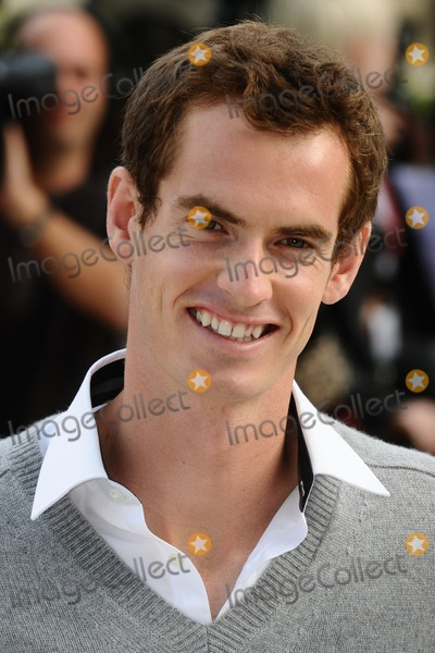 Andy Murray Photo - Andy Murray arriving for the Burberry Prorsum catwalk show as part of London Fashion Week SS13, Kensington Gardens, London. 17/09/2012 Picture by: Steve Vas / Featureflash