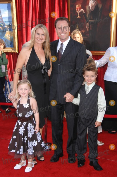 """Chris Harrison Photo - Chris Harrison & family at the world premiere of """"Ratatouille"""" at the Kodak Theatre, Hollywood.June 23, 2007  Los Angeles, CAPicture: Paul Smith / Featureflash"""