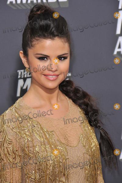 Selena Gomez, Gomez Photo - Selena Gomez at the 2013 MTV Movie Awards at Sony Studios, Culver City.April 14, 2013  Los Angeles, CAPicture: Paul Smith / Featureflash