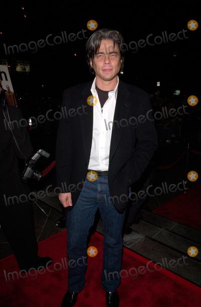 Benicio Del Toro Photo - Actor BENICIO DEL TORO at the Los Angeles premiere of his new movie Snatch.18JAN2001.   Paul Smith/Featureflash
