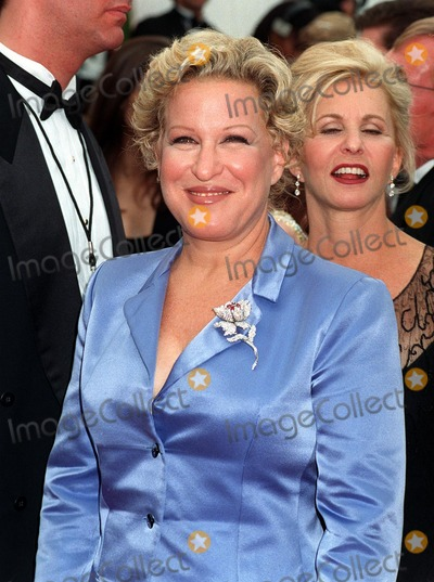 Bette Midler Photo - 14SEP97:  Actress/singer BETTE MIDLER at the Emmy Awards in Pasadena.