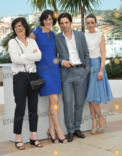 """Raphael Personnaz, Arta Dobroshi, Clotilde Hesme Photo - Director Cathering Corsini (left) with actors Clotilde Hesme, Raphael Personnaz & Arta Dobroshi at the photocall for their new movie """"Three Worlds"""" in competition at the 65th Festival de Cannes.May 25, 2012  Cannes, FrancePicture: Paul Smith / Featureflash"""