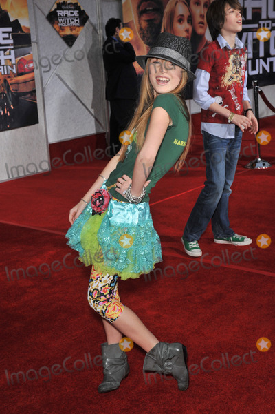 "Bella Thorne Photo - Bella Thorne at the world premiere of ""Race to Witch Mountain"" at the El Capitan Theatre, Hollywood.