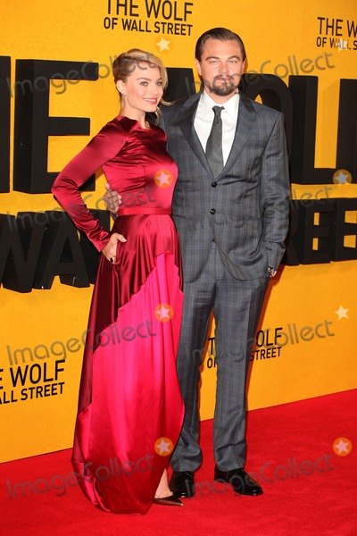 Margot Robbie Photo - Leonardo DiCaprio and Margot Robbie arriving for the UK Premiere of The Wolf Of Wall Street, Odeon Leicester Square, London. 09/01/2014 Picture by: Alexandra Glen / Featureflash