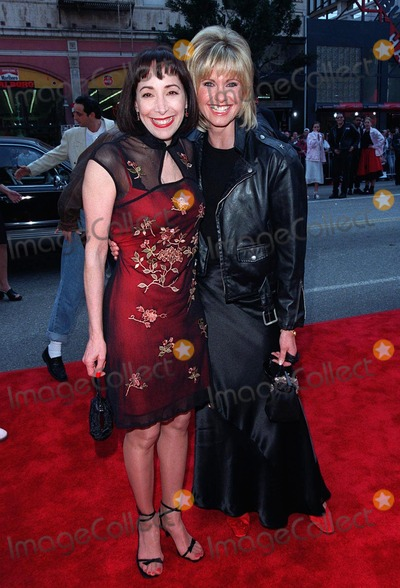 "Didi Conn, Olivia Newton-John Photo - 15MAR98:  ""Grease"" stars OLIVIA NEWTON JOHN (right) & DIDI CONN at 20th anniversary re-premiere of ""Grease"" at Mann's Chinese Theatre, Hollywood."
