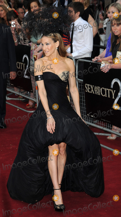 Sarah Jessica Parker, Anne Marie, Ann Marie, SARAH JESSICA-PARKER, Jessica Paré, Leicester Square Photo - Sarah Jessica Parker attends the Sex and the City 2 UK premiere at the  Odeon Cinema in Leicester Square in London.May 27, 2010Picture: Anne-Marie Michel / Featureflash