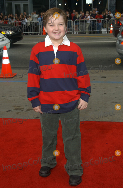 Angus Jones Photo - Actor ANGUS JONES at the world premiere, in Hollywood, of Looney Tunes Back in Action.November 9, 2003 Paul Smith / Featureflash
