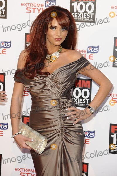 Amy Childs Photo - Amy Childs arrives for the FHM 100 Sexiest Women 2001 party at No.1 Marylebone, London. 04/05/2011  Picture by: Alexandra Glen / Featureflash