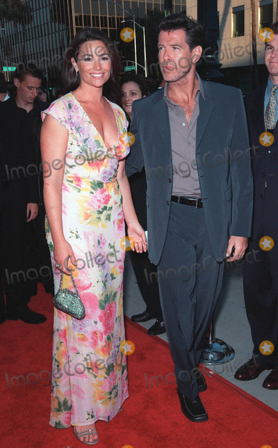 "Keeley Shaye Smith, Pierce Brosnan, Rene Russo, RENEE RUSSO Photo - 27JUL99:  Actor PIERCE BROSNAN & girlfriend KEELEY SHAYE SMITH at the world premiere, in Beverly Hills, of his movie ""The Thomas Crown Affair"" in which he stars with Rene Russo.