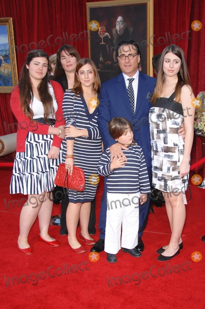 """Andy Garcia Photo - Andy Garcia & family at the world premiere of """"Ratatouille"""" at the Kodak Theatre, Hollywood.June 23, 2007  Los Angeles, CAPicture: Paul Smith / Featureflash"""