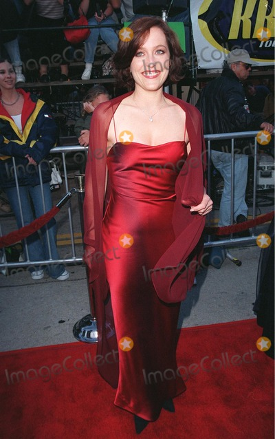 Photos And Pictures 11jun98 Actress Gillian Anderson At The World Premiere In Los Angeles Of Her New Movie The X Files 1998 Paul Smith Featureflash