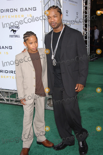 "Alvin ""Xzibit"" Joiner, Alvin 'Xzibit' Joiner, Alvin Joiner, Alvin Xzibit Joiner, Xzibit, Grauman's Chinese Theatre Photo - Actor ALVIN JOINER, aka ""XZIBIT"", & son TREY at the Los Angeles premiere of his new movie ""Gridiron Gang"" at the Grauman's Chinese Theatre, Hollywood.