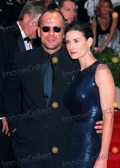 Bruce Willis, Demi Moore Photo - 14SEP97:  BRUCE WILLIS & DEMI MOORE at the Emmy Awards in Pasadena.