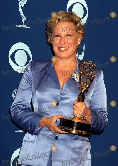 Bette Midler Photo - 14SEP97:  BETTE MIDLER at the Emmy Awards in Pasadena.
