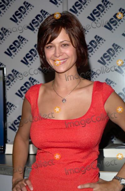 Catherine Bell (actress) - Wikipedia