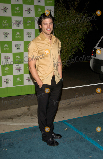 Greg Vaughan Photo - Actor GREG VAUGHAN at the 12th Annual Environmental Media Awards in Los Angeles. 20NOV2002.   Paul Smith / Featureflash