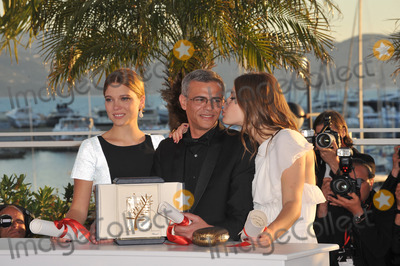 Adele, Adele Exarchopoulos, Abdellatif Kechiche, Léna Jam-Panoï Photo - Palme D'Or winners Lea Seudoux, Adele Exarchopoulos & director Abdellatif Kechiche at the closing awards gala of the 66th Festival de Cannes.