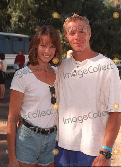 Alexandra Paul, Ian Murray Photo - 02NOV97:  Actress ALEXANDRA PAUL & boyfriend IAN MURRAY at the Environmental Media Awards in Los Angeles.