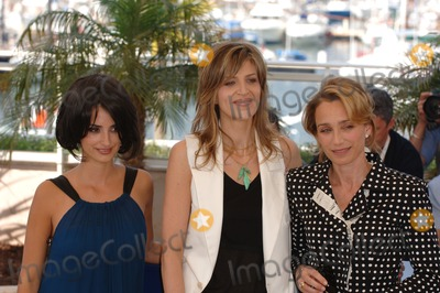 Kristin Scott Thomas, Martha Fiennes, Martha Scott, Penelope Cruz, Scott Thomas, Penelope  Cruz Photo - Actresses PENELOPE CRUZ (left) & KRISTIN SCOTT THOMAS with director MARTHA FIENNES (centre) at the 58th Annual Film Festival de Cannes to promote their movie Chromophobia.