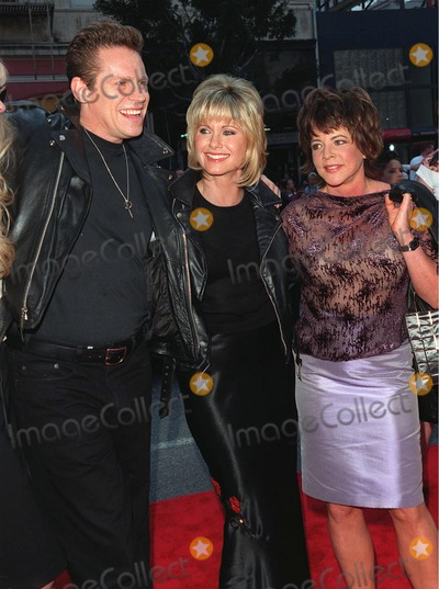 """Channing Stockard, Jeff Conaway, Olivia Newton-John, Stockard Channing Photo - 15MAR98:  """"Grease"""" stars OLIVIA NEWTON JOHN, STOCKARD CHANNING and JEFF CONAWAY at 20th anniversary re-premiere of """"Grease"""" at Mann's Chinese Theatre, Hollywood."""
