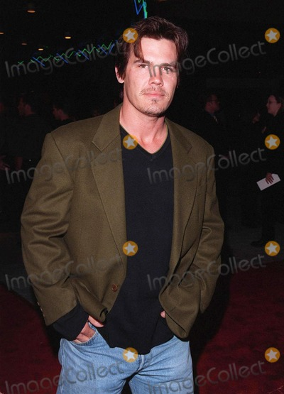 """Josh Brolin Photo - 12MAR98:  Actor JOSH BROLIN at the world premiere of """"Primary Colors,"""" in Hollywood"""