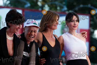 Anita Caprioli, Jonathan Demme, Paz Vega Photo - Fruit Chan, Paz Vega; Jonathan Demme, Alix Delaporte and Anita Caprioli  at the closing ceremony at the premiere of Lao Pao Er at the 2015 Venice Film Festival.