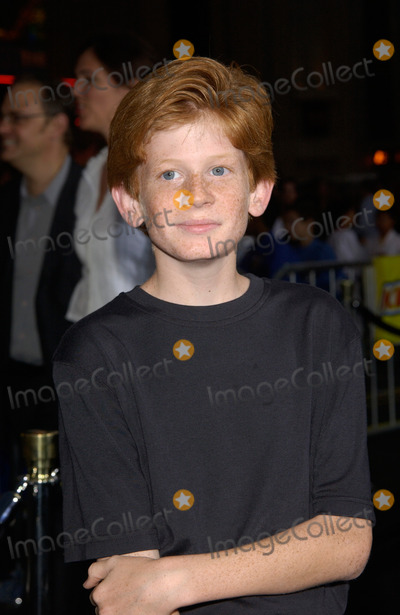 Austin Stout Photo - Actor AUSTIN STOUT at the world premiere, in Hollywood, of The Tuxedo.19SEP2002.   Paul Smith / Featureflash