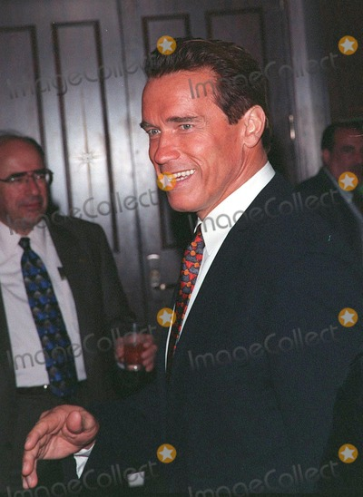 Arnold Schwarzenegger, Sumner Redstone, The National Photo - 23APR98:  Actor ARNOLD SCHWARZENEGGER at the National Conference of Christians & Jews Humanitarian Award dinner honoring Viacom chairman Sumner Redstone.