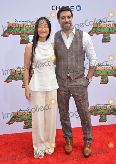 Jennifer Yuh, TCL Chinese Theatre, Alessandro Carloni Photo - Directors Jennifer Yuh Nelson & Alessandro Carloni at the world premiere of Kung Fu Panda 3 at the TCL Chinese Theatre, Hollywood.January 16, 2016  Los Angeles, CAPicture: Paul Smith / Featureflash