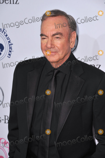 Neil Diamond Photo - Neil Diamond at the 26th Carousel of Hope Gala at the Beverly Hilton Hotel.