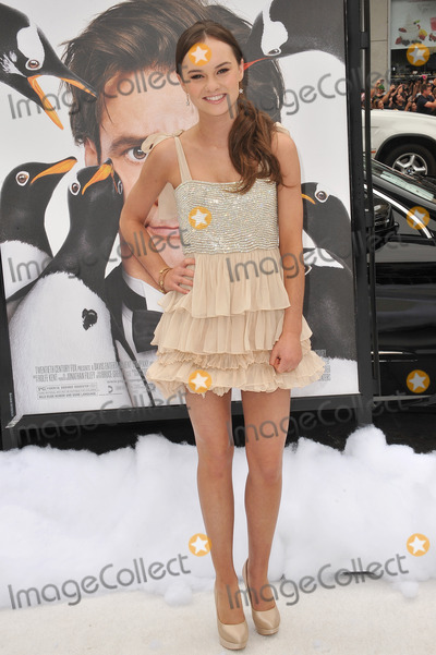 madeline carroll mr poppers penguins - photo #32